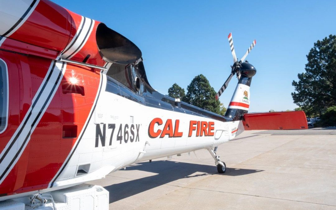 "Flying Into the Belly of the Beast: New ""Firehawk"" Helicopters Designed Just for Firefighting"